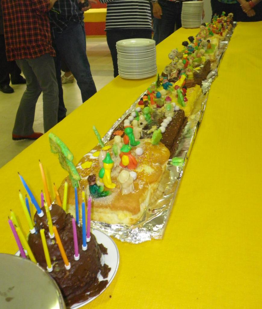 gâteau de l'anniversaire des Randonneurs  4 mètres!IMGP7974